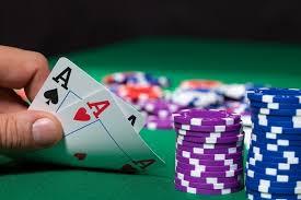 Poker online Omaha bukan Texas Hold'Em
