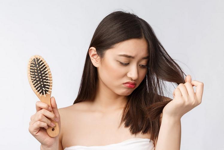 penyebab rambut terjadi kerontokan