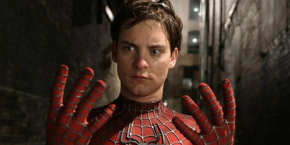 Kenapa Sam Raimi Memutuskan Jaring Laba-Laba Organik untuk Trilogi Spider-Mannya?
